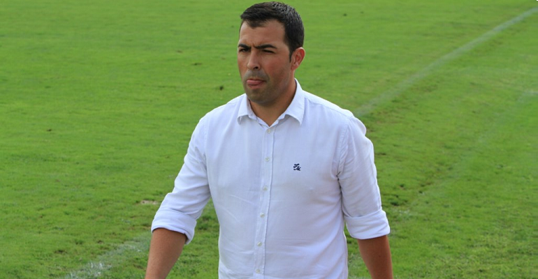 Óscar Troya, entrenador de la UD Poblense. Foto: Fútbol Balear.
