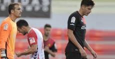 Cabrero y Yuste lamentándose tras encajar un gol de Joselu. Foto: LaLiga.