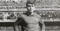 Julià Mir posando en el Santiago Bernabéu (62/63). Foto: RCDMallorca1961.com