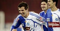 Vallori celebrando un gol en su etapa en el Grasshopper suizo (2007-2012).