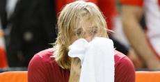 El joven Shapovalov en estado de shock tras haber lesionado al juez de silla y ser descalificado. Foto: ITF.