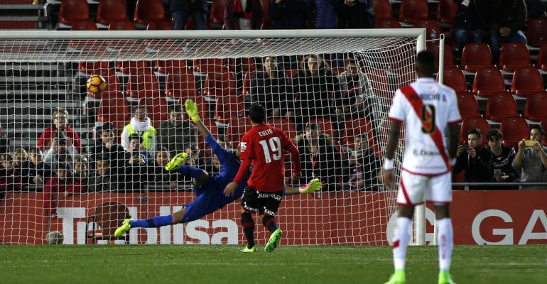 Culio transformando el penalti del segundo gol ante el Rayo. Foto: LFP.