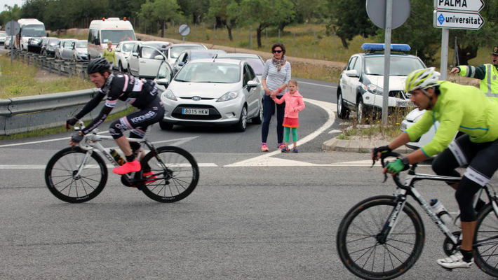 2017_04_26 Ciclistas molestias