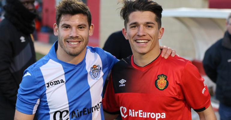 Kike López y Juanjo Nieto en el último derbi entre balearicos y el filial mallorquinista. Foto: Fútbol Balear.