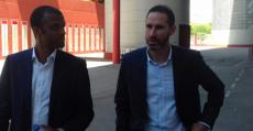 Molango y Moreno de camino a la sala de prensa de Son Moix. Foto: TTdeporte.com.