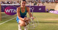 Sevastova posa con su trofeo de campeona. Foto: Mallorca Open.