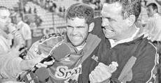 Llompart y Carlitos celebrando el ascenso en Vallecas. Foto: Diario de Mallorca.