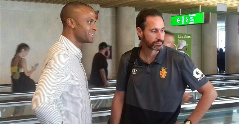 Molango y Moreno conversan distendidamente en Son Sant Joan. Foto: TTdeporte.com.
