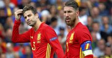 Piqué y Ramos durante la Eurocopa 2016.