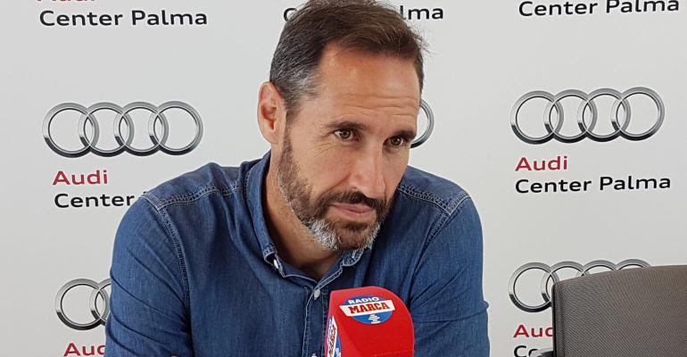 Vicente Moreno durante su entrevista en Radio MARCA llevada a cabo en Audi Center Palma. Foto: TTdeporte.com.