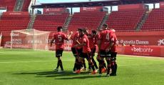 Los futbolistas del Mallorca celebrando el segundo tanto de Abdón Prats. Foto: RCDM.