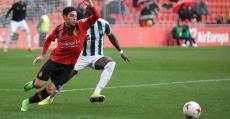 Bustos en su debut con el Mallorca ante el Peralada. Foto: RCDM.