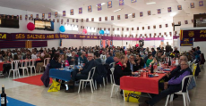 Multitudinaria comida en la nueva sede de la Penya Barcelonista Els Tamarells en Felanitx. Foto: PBT.