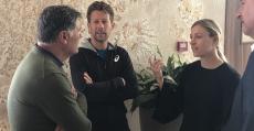 Kerber y su entrenador conversando junto a Toni Nadal y Edwin Weindorfer. Foto: TTdeporte.com.