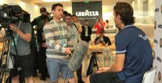 Veinte años después, Moyà sigue levantando una gran expectación mediàtica en Roland Garros. Foto: TTdeporte.com.