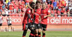 Lago, Abdón y Rodríguez tras el segundo gol. Foto: RCDM/M.Comas.