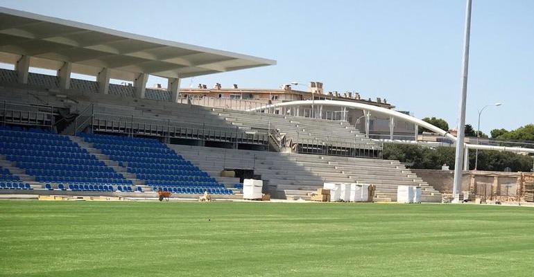 Las obras del Estadi Balear en estado avanzado antes del inicio de liga. Foto: ATB.